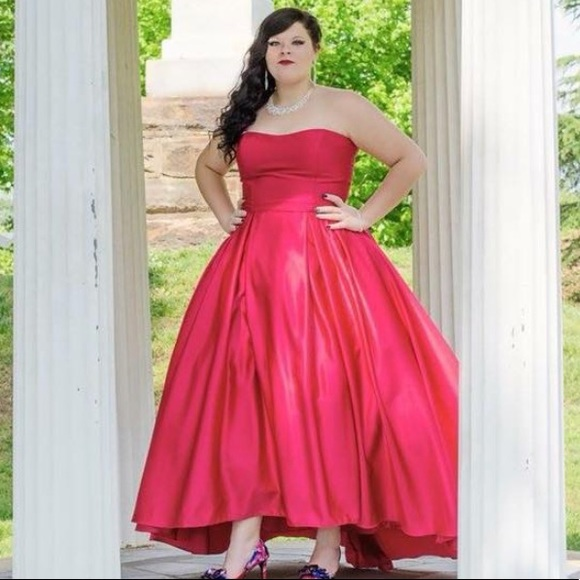 Size 18 Formal Dresses